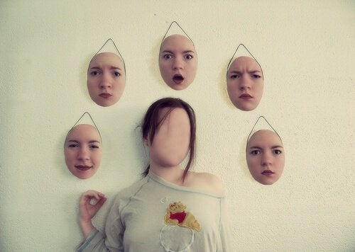 Bag vores følelsesmæssige masker