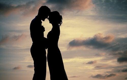 Stop med at elske for at lære at være forelsket
