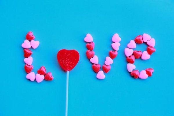 Hvad gemmer umulig kærlighed på?