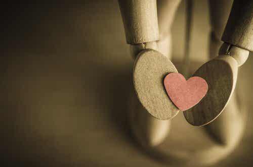 Det er svært at sige hej, når jeg har lyst til at skrige, at jeg elsker dig