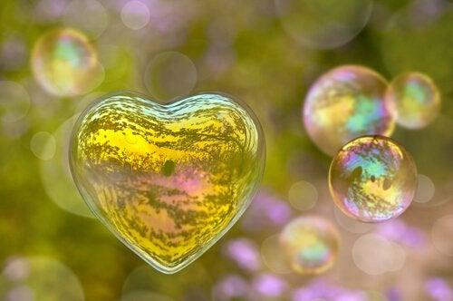 Et hjerte lavet af sæbebobler