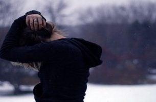 Mand har en depression på grund af kroniske sygdomme