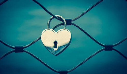 At kende dig selv er nok til at skabe kærlighed i dit liv.