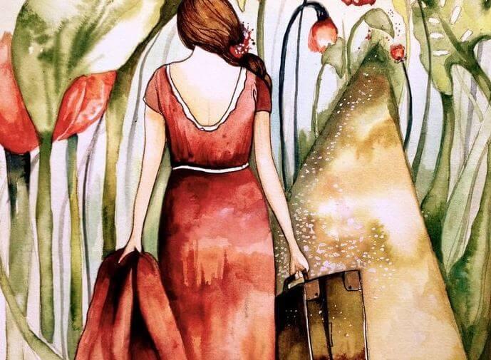 Kvinde går væk med pakkede tasker