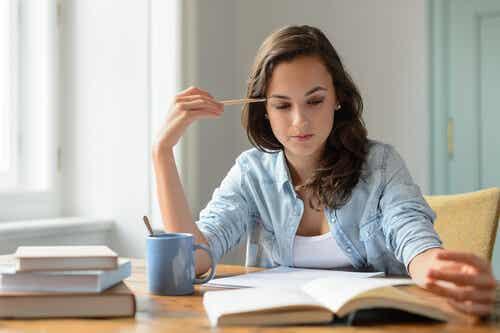 Strategier til at få det meste ud af din lektielæsning