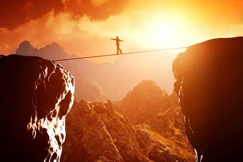 Mand går på line for at overvinde svære udfordringer