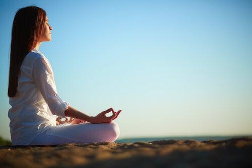 Meditation og andre ikke-medicinske typer terapi