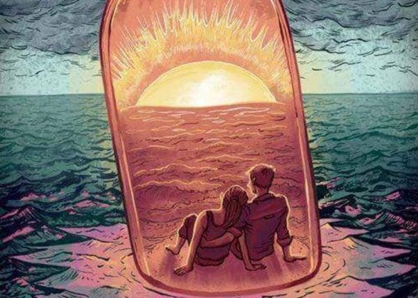 Venskab i en flaske på havet foran solopgang