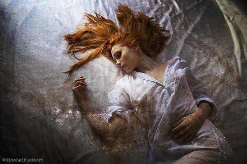 Søvnlammelse: skræmmende, men harmløst