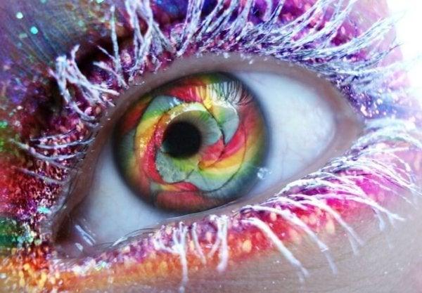 Øje i farver viser, hvad der sker, når du ændrer dine tanker