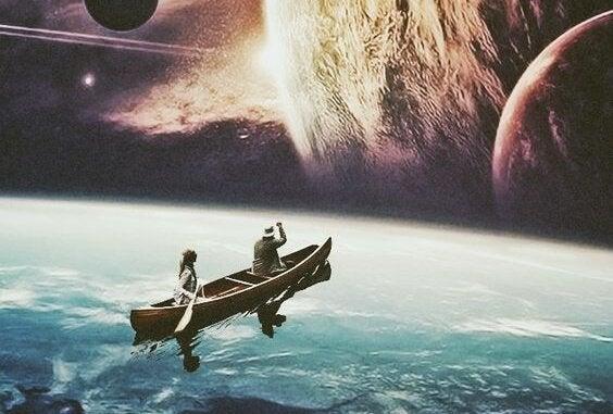 Båd sejler mod univers