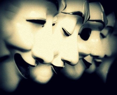 Masker på række