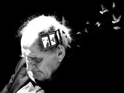 Mands minder flyver væk på grund af demens