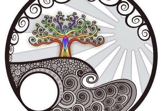 Farverigt træ i sort og hvid verden