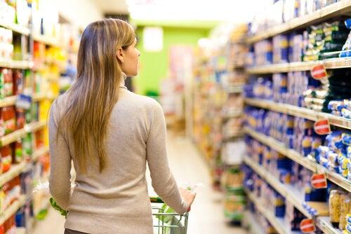 Kvinde på indkøb