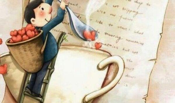Mand fylder hjerter fra et brev i en kop