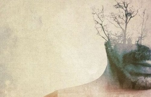 Mand med træer som ansigt