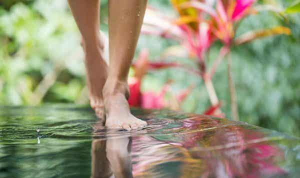Lær at meditere, mens du går, og opnå mindfulness