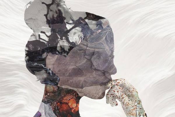 Kvindes profil i sten