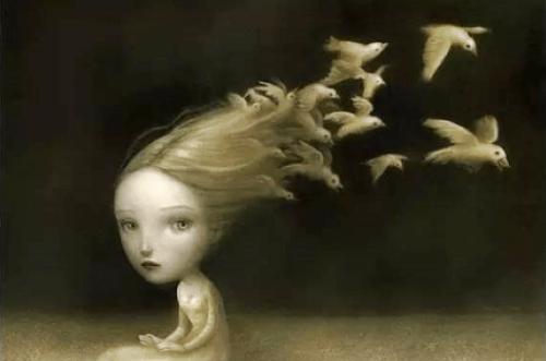 Svaler flyver fra piges hår