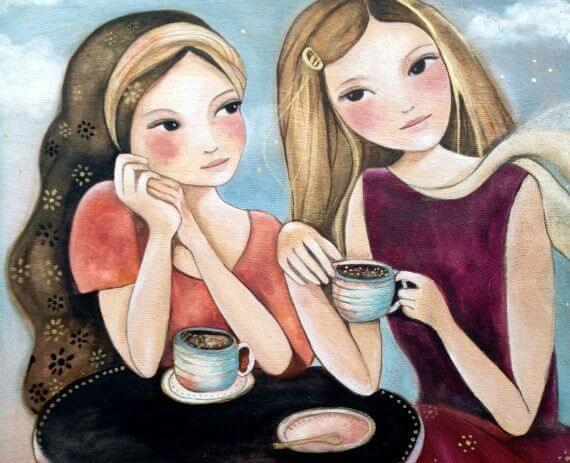 Veninder drikker kaffe sammen og nyder venskab