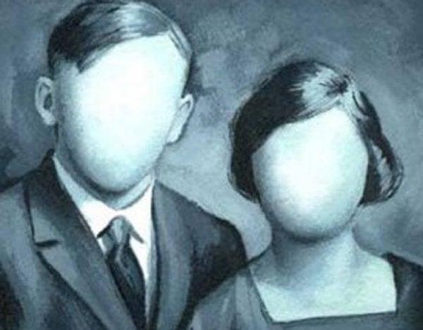 To personer uden ansigter har mistet identitet på grund af dissociativ amnesi