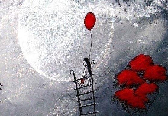 Kvinde med ballon på måne