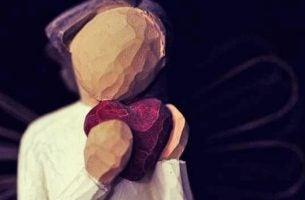 Engel krammer hjertet