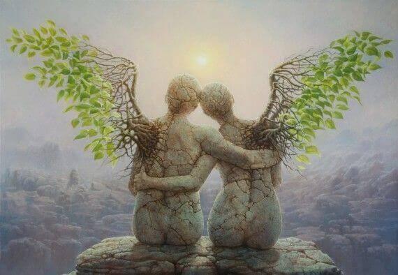To statuer, der krammer, illustrerer de venner, der altid er der for dig