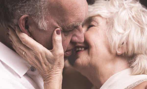 Når vi kysser, er det som at ytre lydløse ord