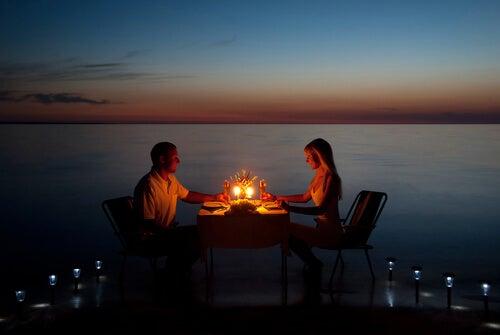 Par er på romantisk date