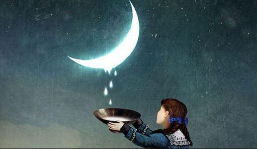 Barn fanger dråber, der falder fra måne