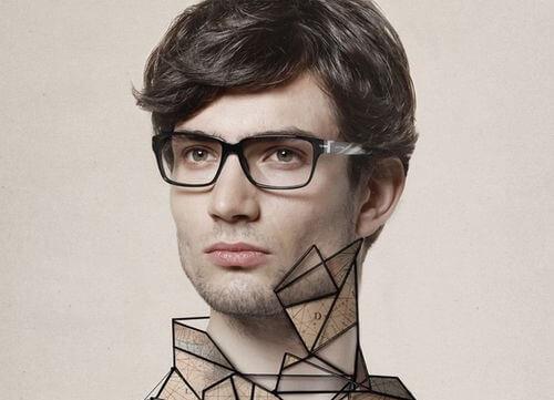 Mand med sorte streger på halsen