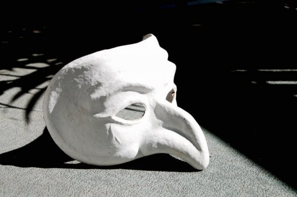 Maske i sollys