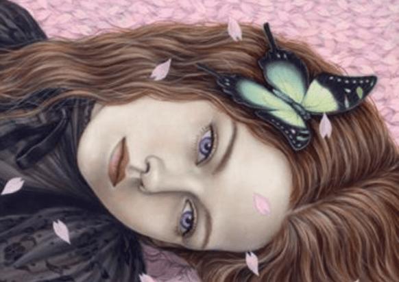 Trist pige med sommerfugl i håret