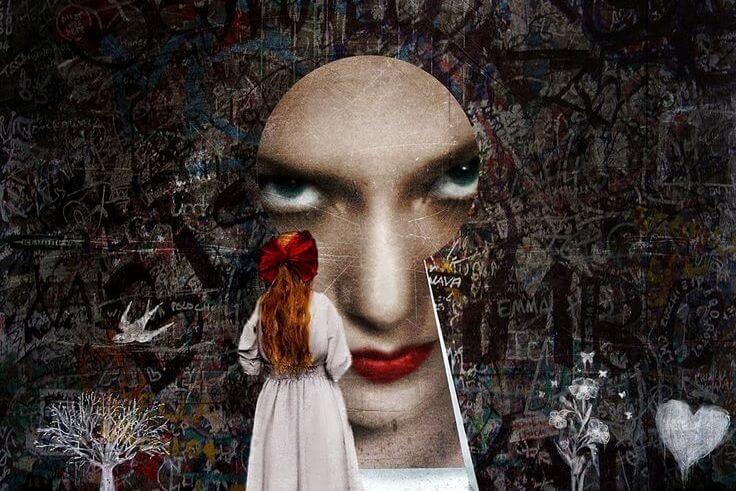 Pige ser ondt kvindeansigt i nøglehul som symbol for vanskelige mennesker