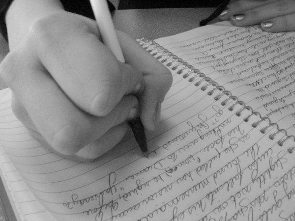 Din håndskrift kan analyseres ved at anvende grafologi