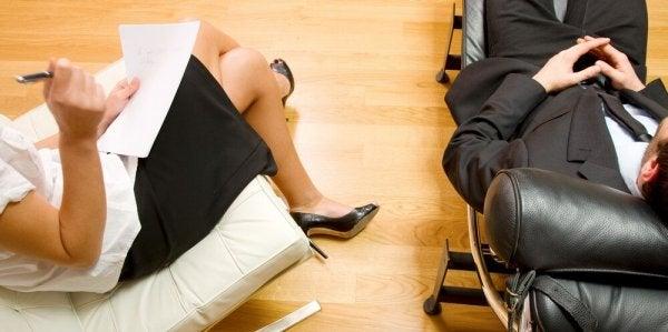 Klient går til terapi på grund af dissociativ amnesi
