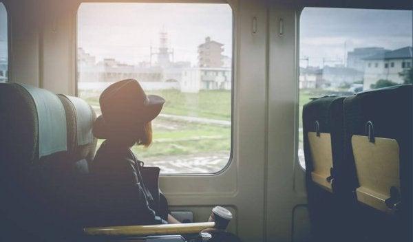 Kvinde i tog har valgt at ændre vaner for at ændre sit liv