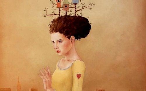 Kvinde med fuglehus i håret