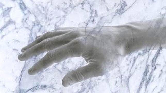 Hånd i varmt og koldt vand kan manipulere sindet