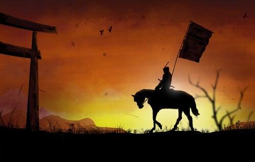 Samurai ridder på hest foran solnedgang