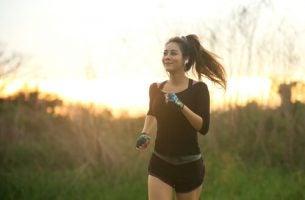 Kvinde anvender løb som meditation