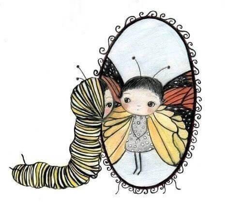 Pige som larve ser sig selv som sommerfugl i spejl