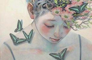 Person med sommerfugle på sin nøgne krop udstråler ingen giftighed