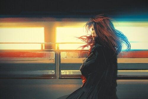 Kvinde på togstation har valgt at stoppe med at vente