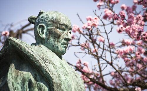 Den gamle samurai: passende reaktion på provokation