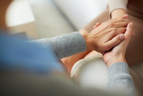 Terapeut udøver gestaltterapi