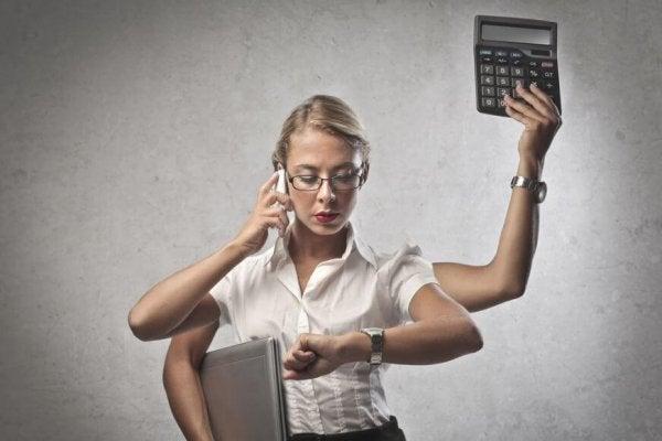 Travl kvinde er ved at blive syg af stress