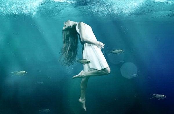 Kvinde i vand. J.K. Rowling